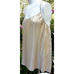 🍀 EUC H&M Gold Lamé Pleated Tank Top